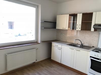 GARANT REAL - prenájom 1-izbový byt 39 m2, s loggiou, nezariadený, Prešov, Sekčov