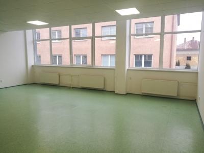 GARANT REAL - prenájom obchodný / kancelársky priestor, 88 m2, Dostojevského ulica, Prešov
