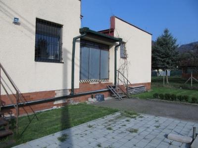 GARANT REAL - predaj budovy 381 m2 - komerčný objekt, na 13 á pozemku, Podhradík, okr. Prešov