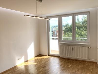 GARANT REAL - predaj 1-izbový byt 37 m2 s loggiou, kompletná rek., Prešov, Sídlisko III