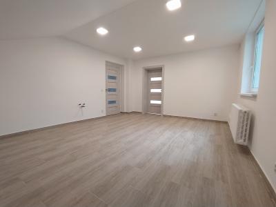 GARANT REAL - prenájom kancelársky / obchodný priestor, 35 m2 (13 a 22 m2), Dukelská ulica, Giraltovce