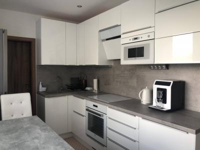 GARANT REAL - 3 izbový kompletne rekonštruovaný byt s loggiou a komorou, 75 m2, Sibírska ulica, Prešov